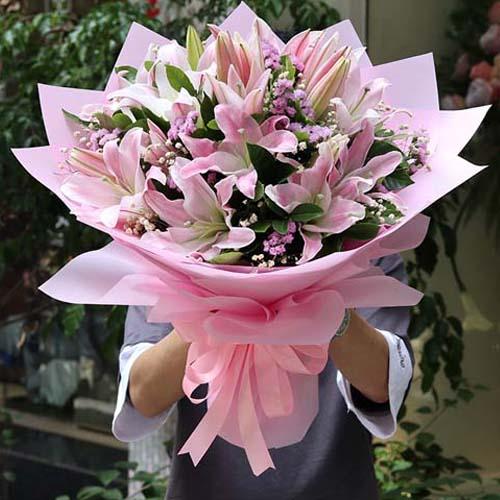 9支粉百合花束