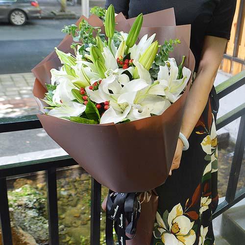 12支白百合花束