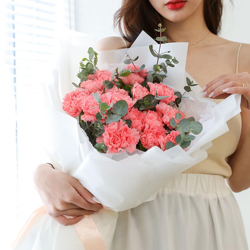 11支粉康乃馨花束
