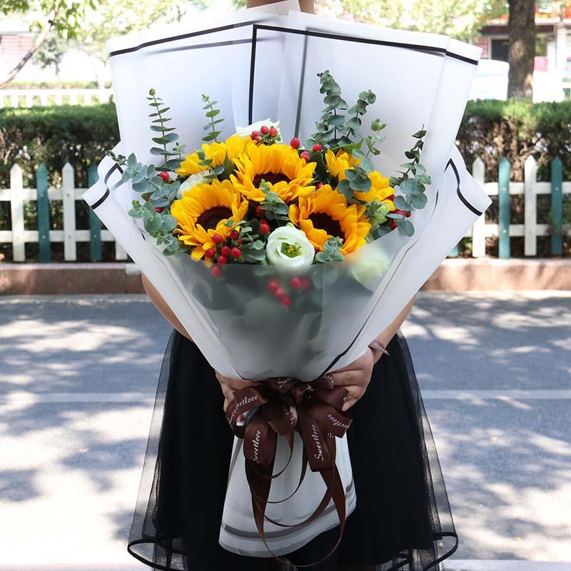 向日葵白玫瑰混搭花束