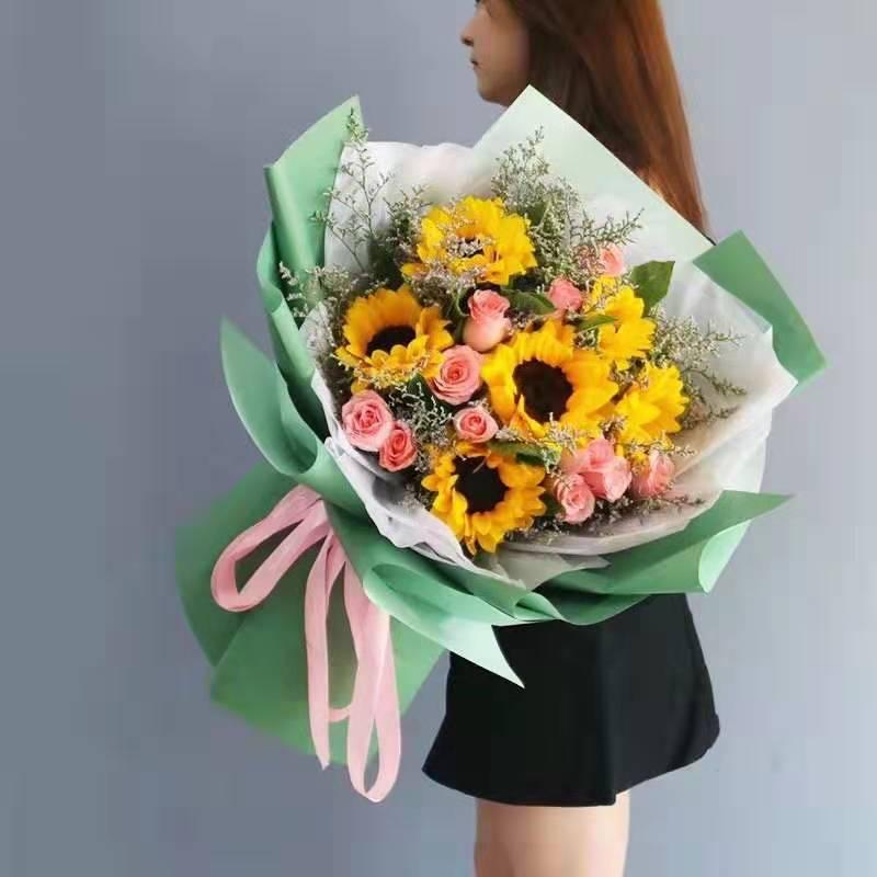 向日葵粉玫瑰混搭花束
